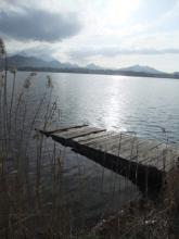 Jetée sur un lac
